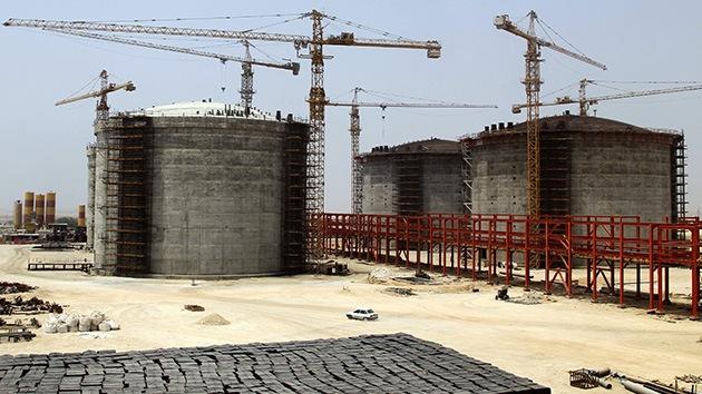 China inicia una inversión de 20.000 millones de dólares en 2 yacimientos petroleros iraníes