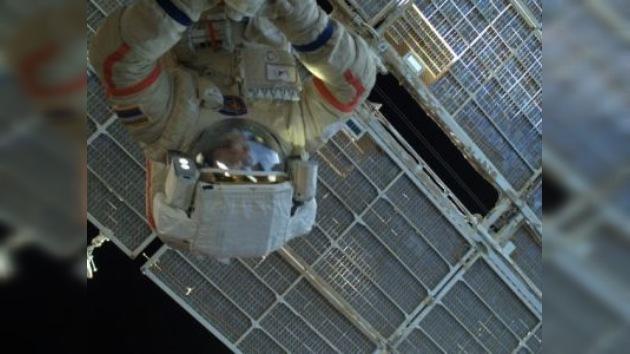 La primera caminata espacial de 2012 en vivo en la web de RT