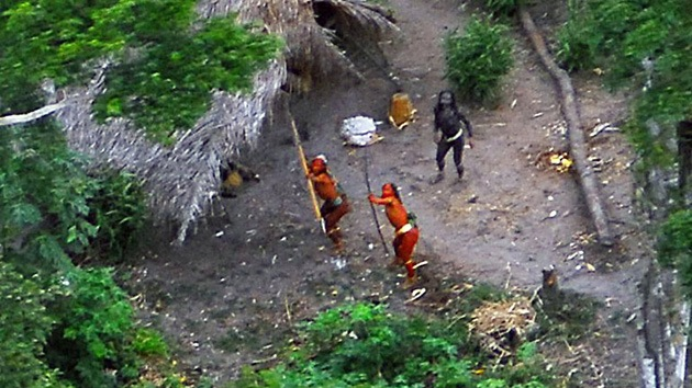 Una tribu aislada de Brasil sale al mundo por primera vez