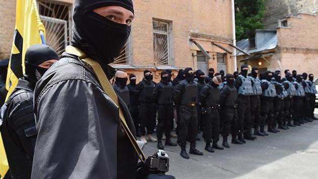 Ucrania: El grupo radical Sector Derecho amenaza al Gobierno con una marcha a Kiev