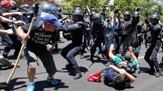 """Los nuevos recortes adoptados por el Gobierno español son """"suicidas"""""""