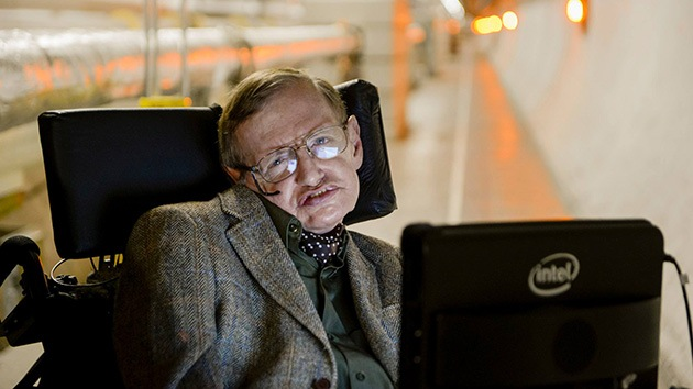 """Hawking en su primer mensaje en Facebook: """"Sean curiosos""""'"""