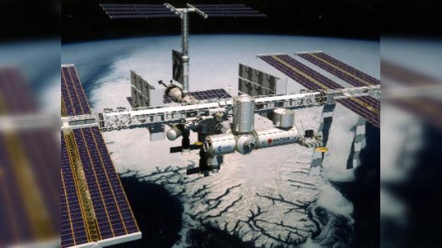 Bienvenidos al espacio y saludos desde la Tierra