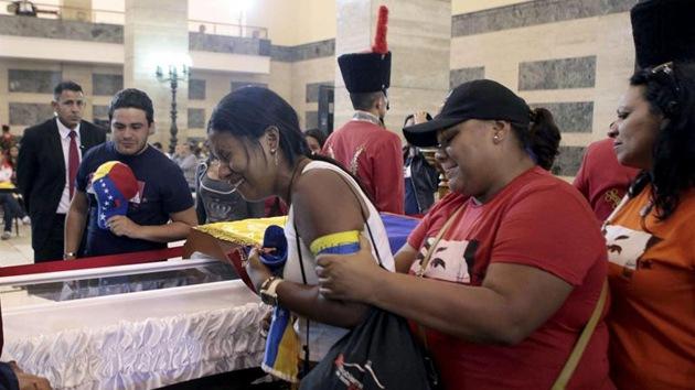 Fotos: Los venezolanos dan su último adiós a Chávez