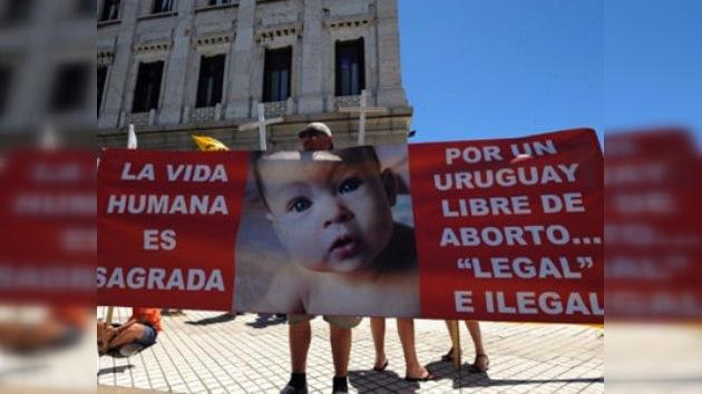 Senado uruguayo aprueba despenalización del aborto