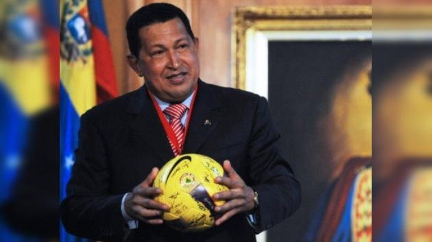 Hugo Chávez felicita a sus 'guerreros' por su pase a semifinales en la Copa América