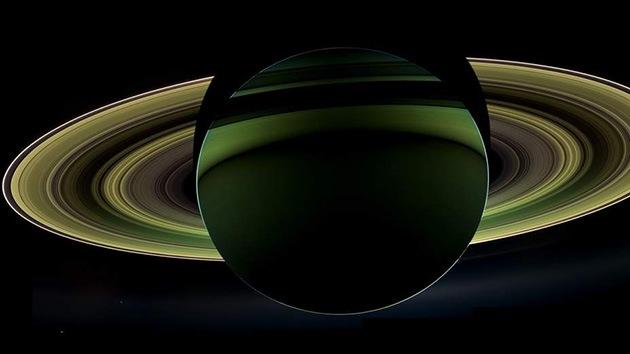 La Nasa capta una imagen única de los anillos de Saturno