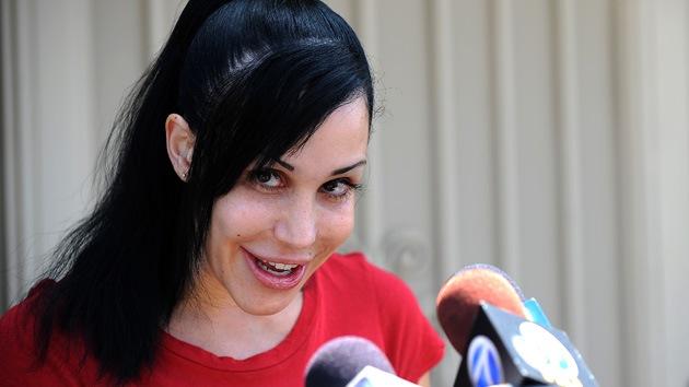 Nadya Suleman, la estadounidense que apuesta al porno para alimentar a sus 14 hijos