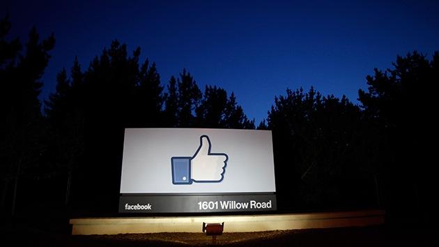 Estudio: Facebook incita a los adolescentes a comer más comida basura