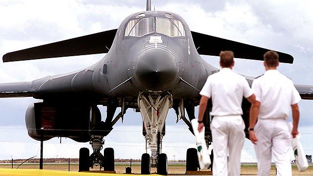 Hallan piezas chinas en aviones de combate B-1 y F-16 de EE.UU.