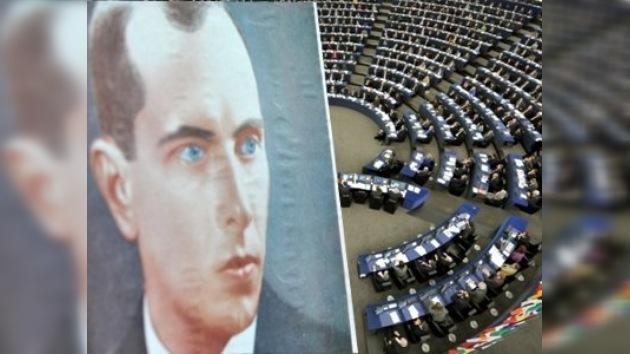 El Parlamento Europeo condena la glorificación de Stepán Bandera