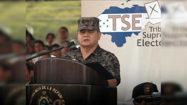 Inician una acción judicial contra la cúpula militar por expulsar a Zelaya