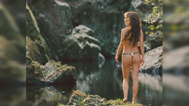Una joven se sumergió en un lago de agua helada para doblar a Natalie Portman