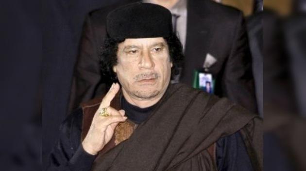 """Gaddafi: """"Podríamos trasladarnos a Europa como las langostas, como las abejas"""""""