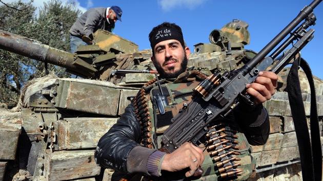EE.UU. duplicará su ayuda a los rebeldes en Siria y enviará incluso vehículos blindados