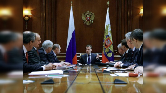 Medvédev criticó a los diputados rusos a través de Twitter