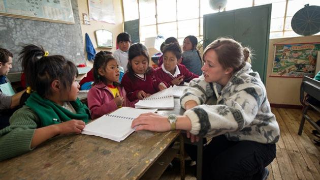 Ecuador ofrece miles de plazas de trabajo a profesores españoles