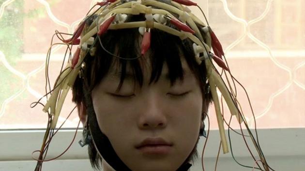 Video: China usa centros de entrenamiento militar para curar la adicción a Internet