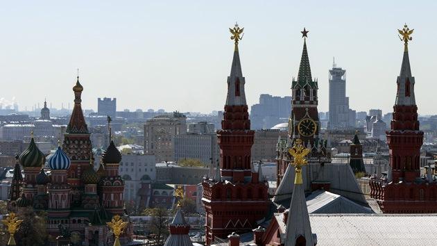"""Economista británico: """"Las sanciones contra Rusia apuntalarán su divisa y su mercado"""""""