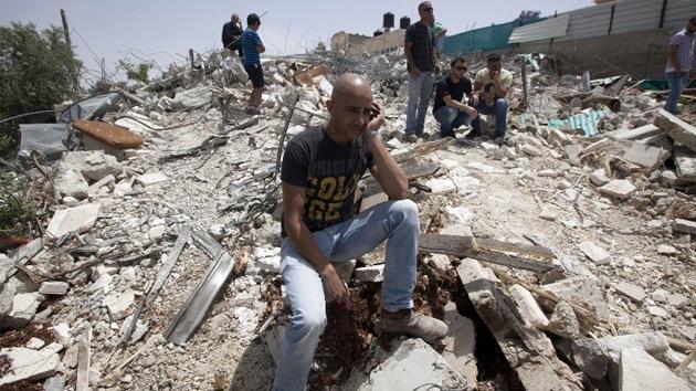 Autoridades israelíes reducen a escombros el hogar de 13 palestinos