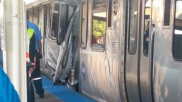 Dos trenes de pasajeros colisionan en Chicago