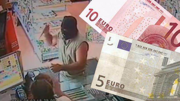 Valiente vendedora española negoció el botín con un ladrón, que se conformó con 15 euros