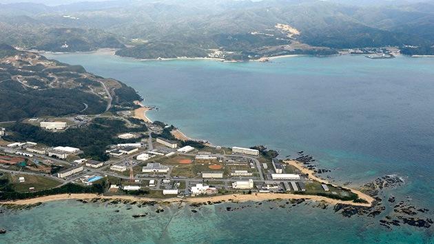 """Intelectuales de EE.UU. se unen a la protesta contra la """"colonización militar"""" de Japón"""