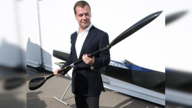 Medvédev instituye unas regatas presidenciales anuales en Rusia desde 2010
