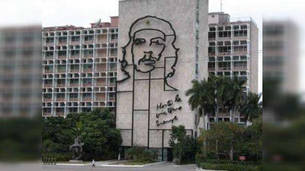 300.000 cubanos residentes en el extranjero visitaron la isla en 2009