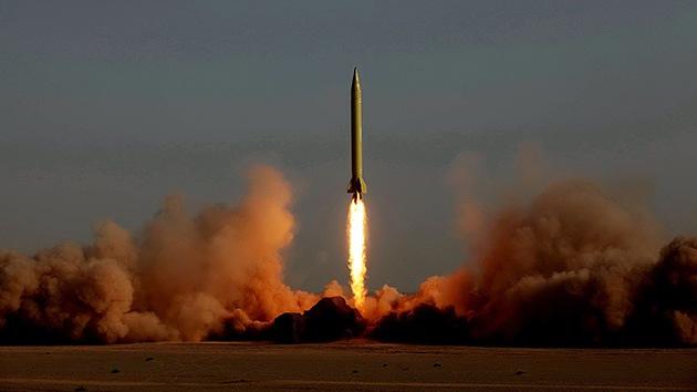 Irán prueba sus nuevos misiles tierra-tierra