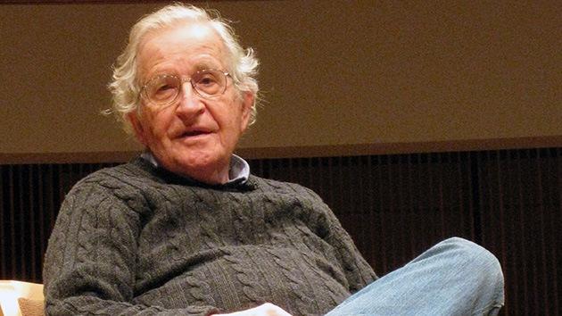Chomsky: EE.UU. lleva 60 años torturando a Irán