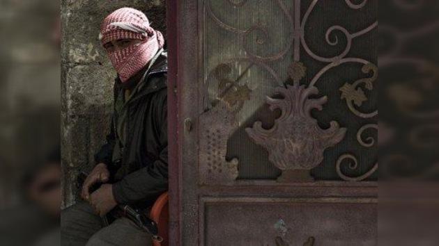 Libia no descarta que sus ex rebeldes podrían estar luchando en Siria contra Al Assad