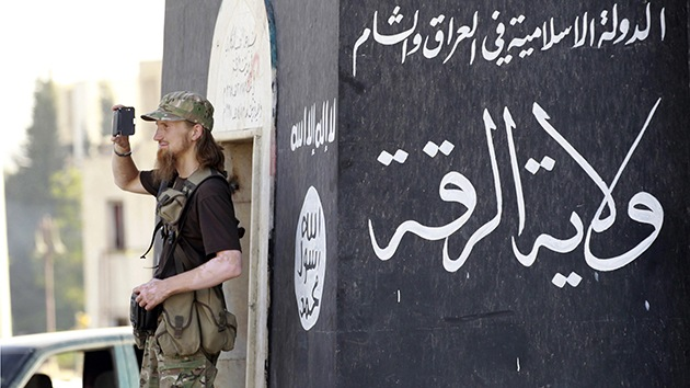 Decenas de militantes del Estado Islámico se rinden a las fuerzas kurdas