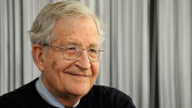 Chomsky a RT: EE.UU. se declara dueño del mundo, al margen del derecho internacional