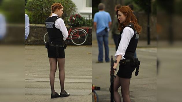 Policías ingleses no deben lucir la ropa interior