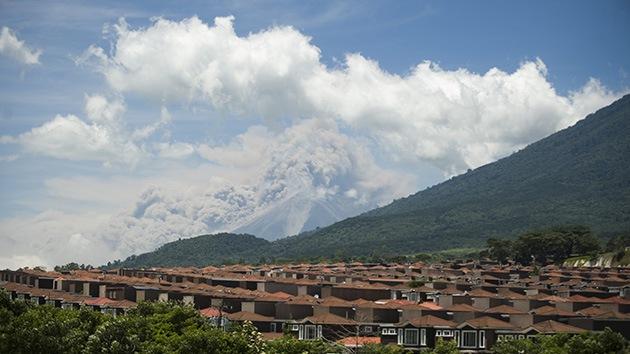 El Volcán de Fuego despierta en Guatemala: más de 33.000 personas evacuadas