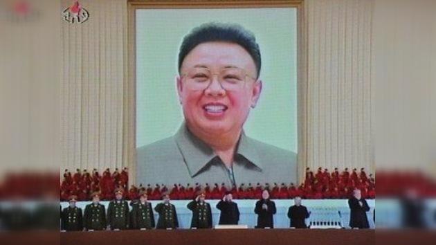 """La última voluntad de Kim Jong-il: """"Seguir desarrollando armas nucleares y biológicas"""""""