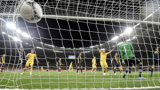 Ucrania gana a Suecia y lidera su grupo en la Eurocopa