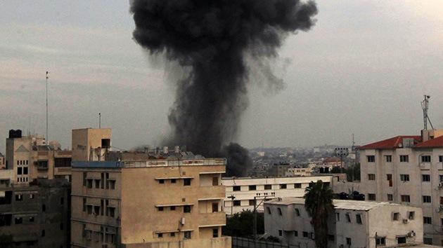 Israel vuelve a bombardear el edificio de la agencia AFP en Gaza, muere un niño