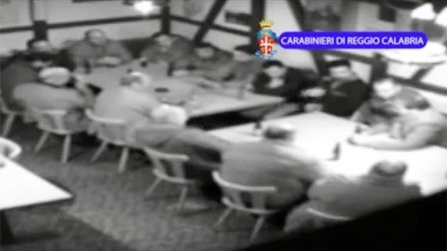 Revelan grabación de una reunión de mafiosos italianos al estilo de 'El Padrino'