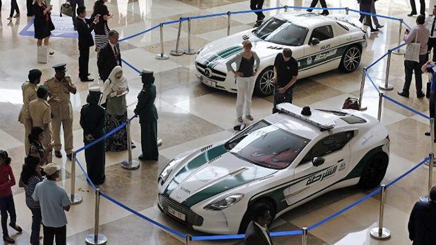 Fotos, Video: La Policía de Dubái amplía su flota con un exclusivo Aston Martin One-77