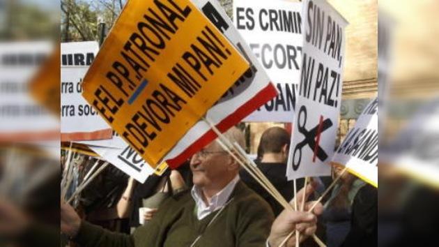 Una marcha de indignados inicia una 'semana de lucha' en Sevilla