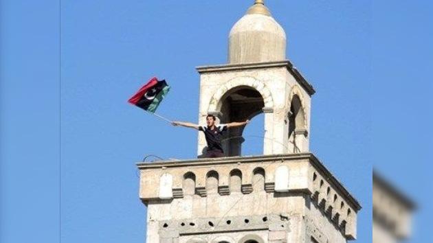Gaddafi entabla negociaciones con los rebeldes en Túnez, según medios