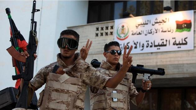 Libia cierra sus fronteras terrestres y declara a siete provincias como 'zona militar cerrada'