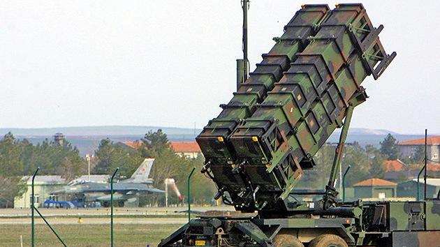 Turquía y la OTAN acuerdan desplegar sistemas antimisiles en la frontera con Siria