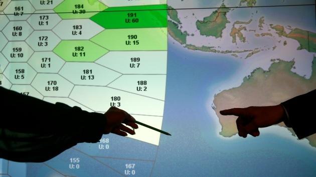 Detectan objetos flotando donde se registraron las últimos señales del avión desaparecido de Malasia