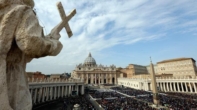Denuncian a dos exdirectivos del Banco de Vaticano por especulaciones inmobiliarias