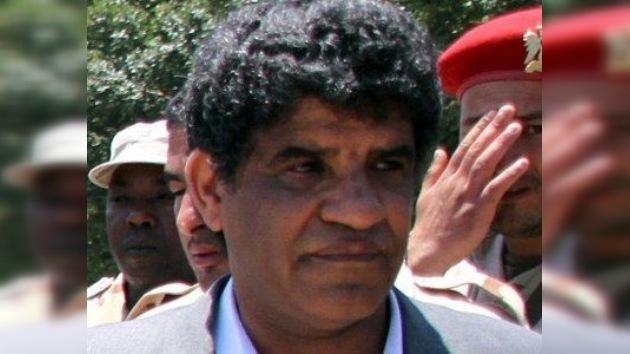 El ex jefe de la inteligencia libia se rinde a nuevas autoridades