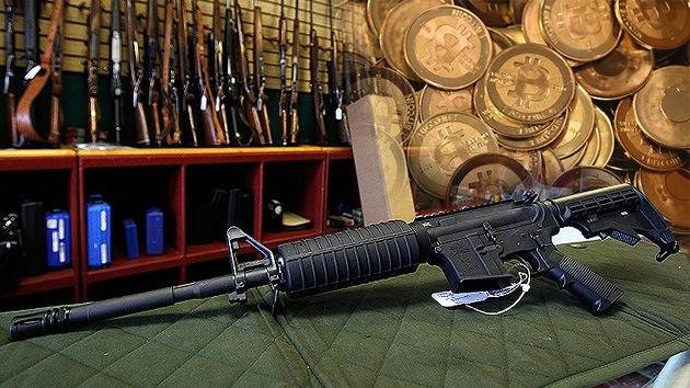EE.UU.: La primera tienda legal de armas que acepta bitcoines instala un cajero