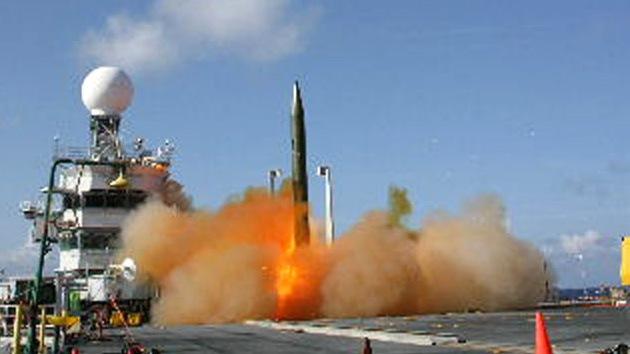 "Escudo antimisiles: La OTAN propone a Rusia solo ""garantías políticas"" de no agresión"